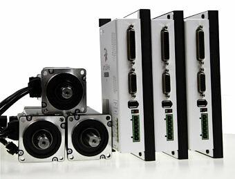 Servoantrieb simDrive 400W für 3 Achsen: Servoantrieb + Servomotor